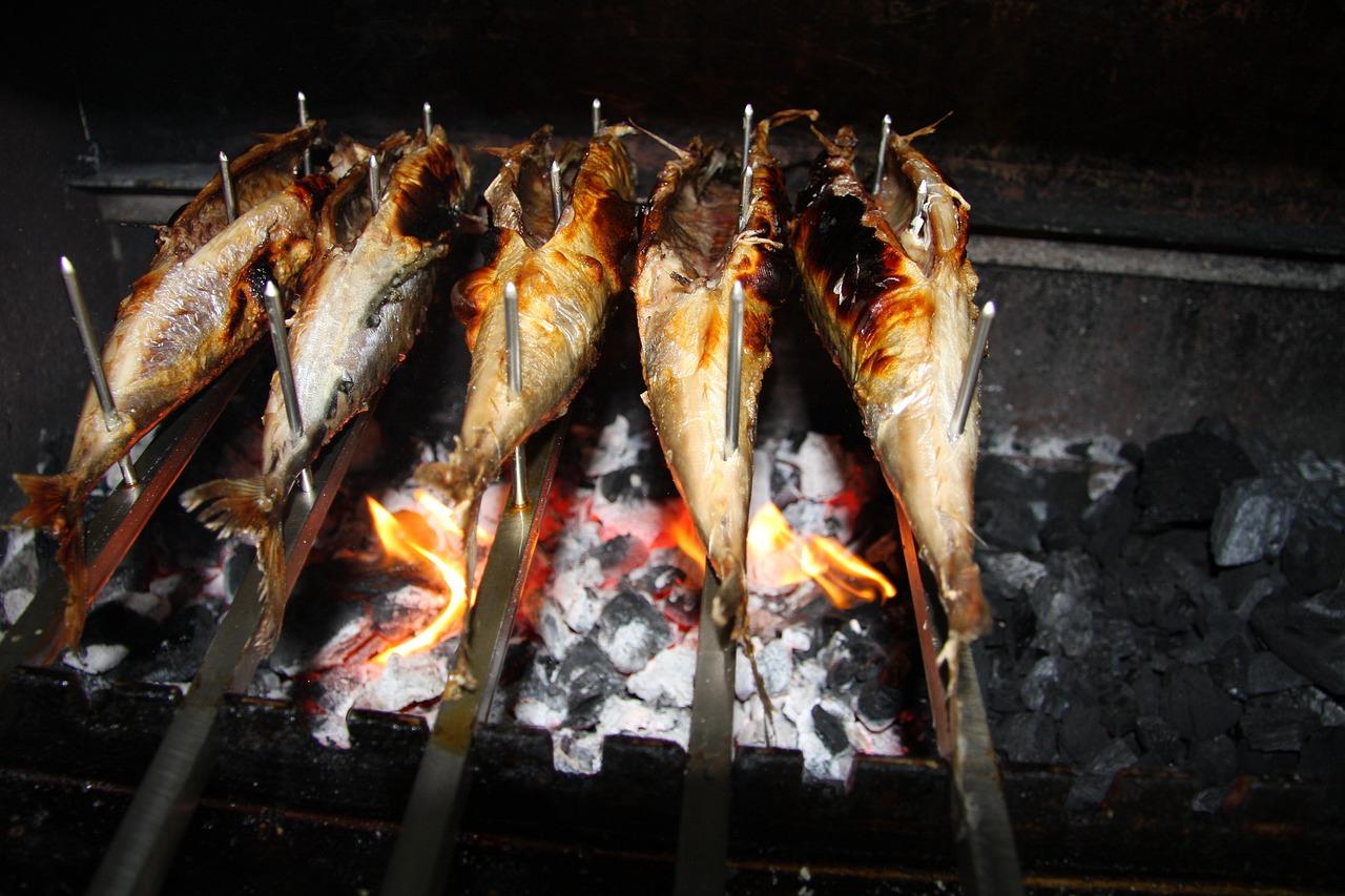 Fisch Großhandel Produkt: Steckerlfisch über Feuer